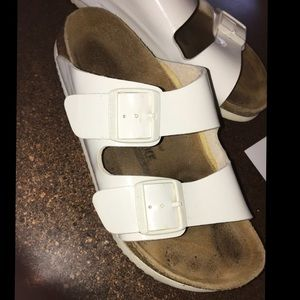 Size 39 Women's White Birkenstocks